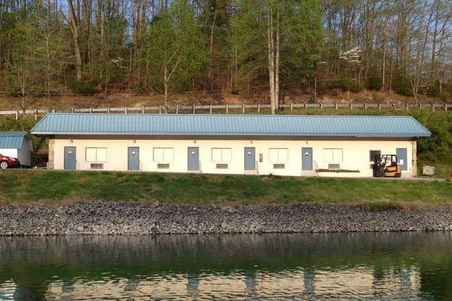 MOTEL ROOMS FOR RENT AT HOLIDAY LANDING MARINA ON TIMS FORD LAKE TULLAHOMA